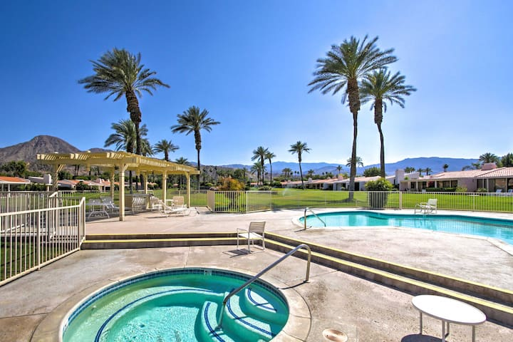 Indian Wells Condo w/Mtn View, Patio & Pool Access