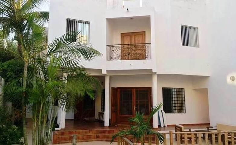 Deux chambres à louer (4 pers.) Dakar, Almadies - Dakar - House
