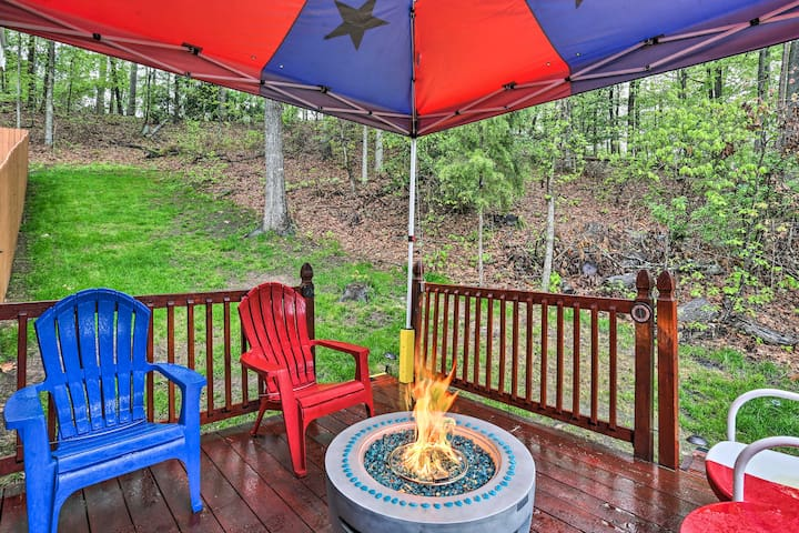 Secluded Avinger Cabin, .5 Mi to Lake O' The Pines