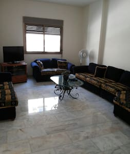 Well located apartment in adonis. - Bayrut - Lejlighed