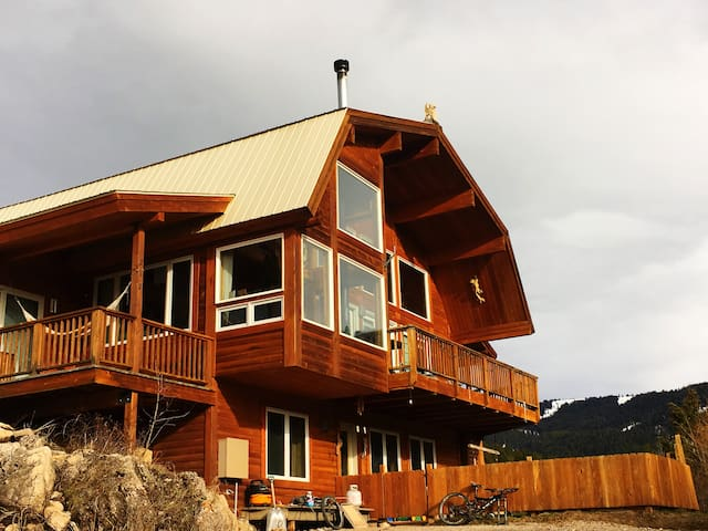 Come see the Eclipse in a Cabin in Teton Valley