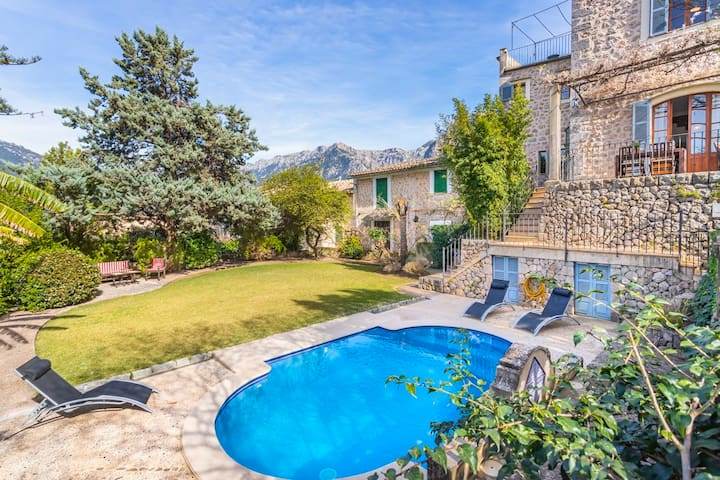 Villa Es Tilers in the heart of the charming and unique village of Soller