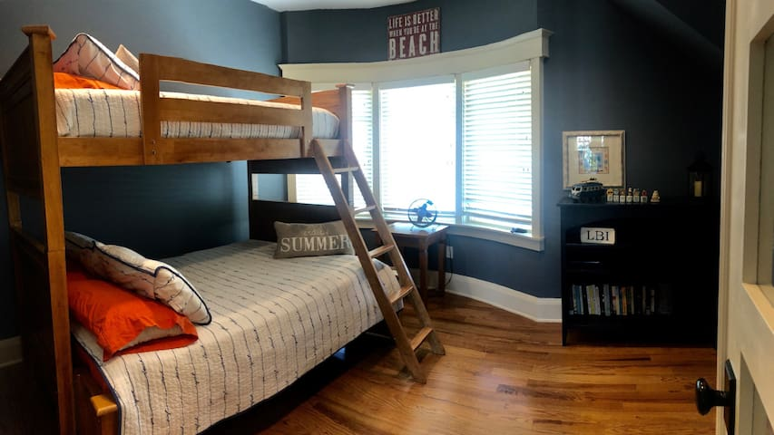 Bunk room, with one full size underneath