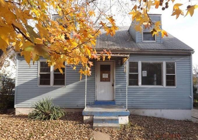 Hord House - Jennings - House