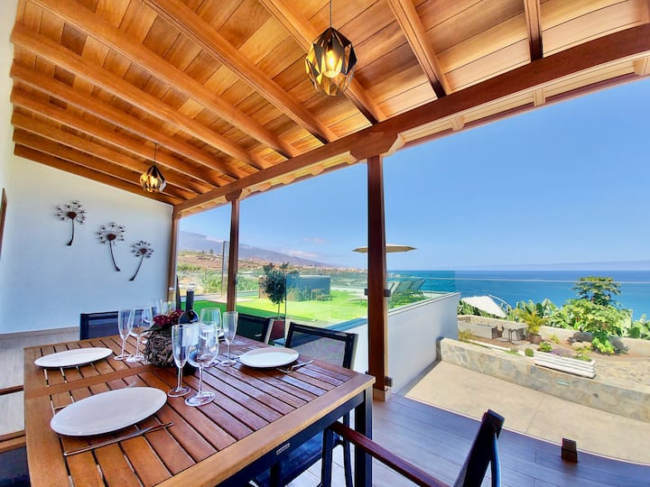 Luxury villa in a sea and Teide views paradise