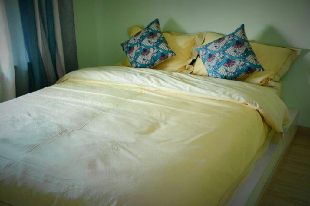 温馨干净的卧室