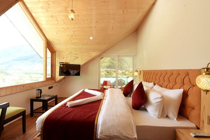 Private Room with Valley View @White Apple Hotel