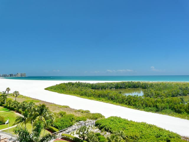 Inviting condo on Tigertail Beach w/ heated pool & tennis courts