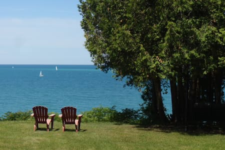 Lakefront Tranquility on Lake Huron - Bluewater - Cabin