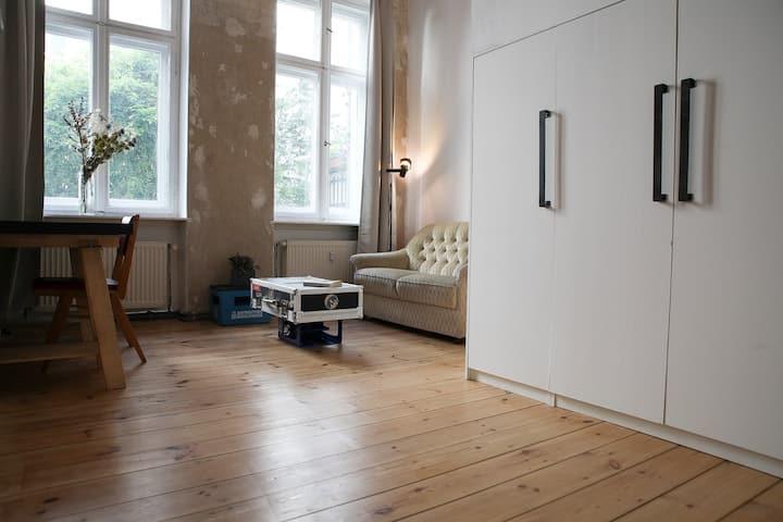 Cosy loft-room private wc&shower Prenzlauerberg