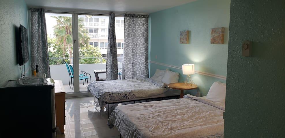 Oceanview unit 2 queen beds at Ocean Manor Hotel