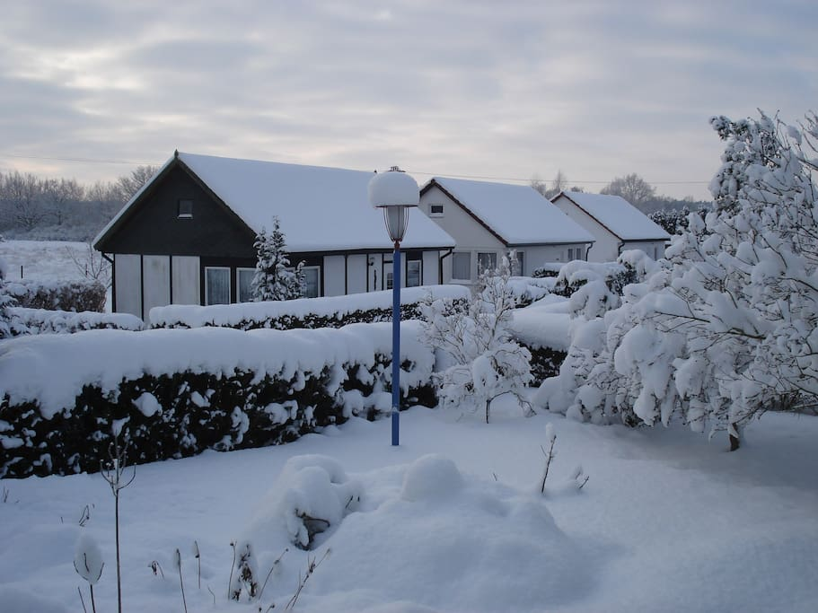 Bungalowanlage im Winter
