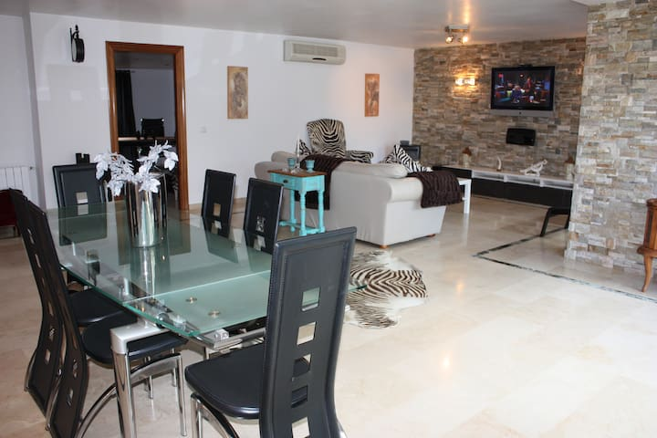 Private villa with garden and swimming pool - Pinos de Alhaurín - House