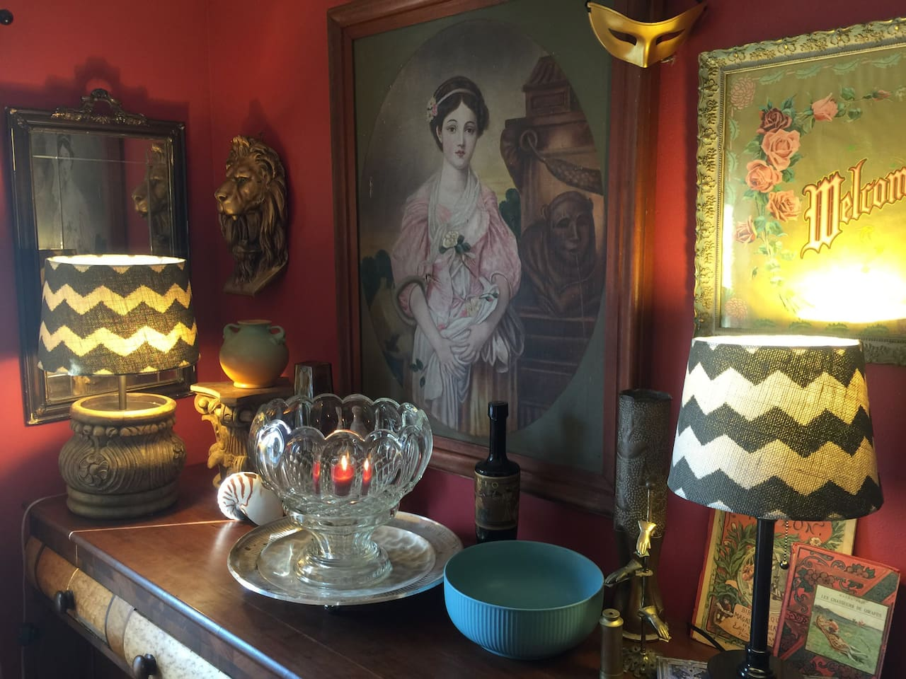 Uncommon Decor, and dining ammenities