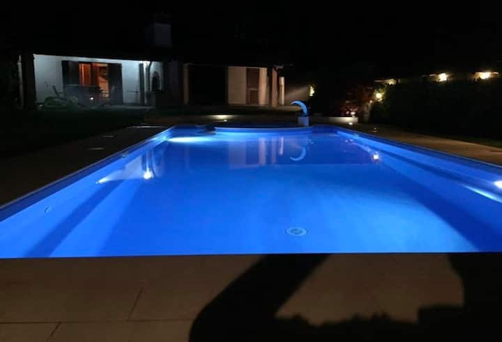 Villa intera con piscina 5 posti letto PADENGHE SG