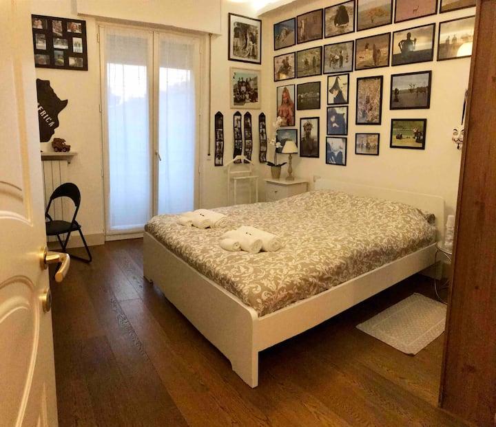 """Africa""room, Sonila's Home, breakfast included"