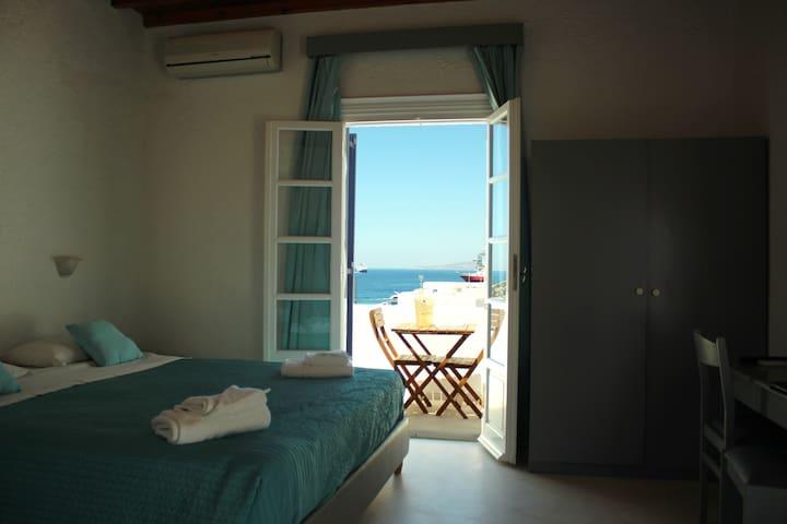 Tagoo Studios Deluxe-Double-Room With Sea View - Tourlos - Leilighet