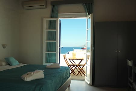 Tagoo Studios Deluxe-Double-Room With Sea View - Tourlos