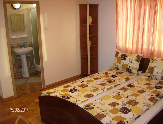 JJ's Rental - Cluj-Napoca - House