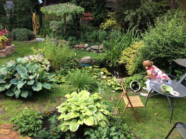Ogród za domem także do dyspozycji gości