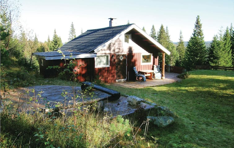 Holiday cottage with 1 bedroom on 57m² in Fannrem