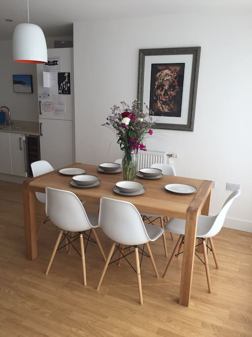 Dining for up to six people, there is also a highchair