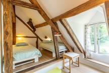 Slaapkamer 2 (etage)