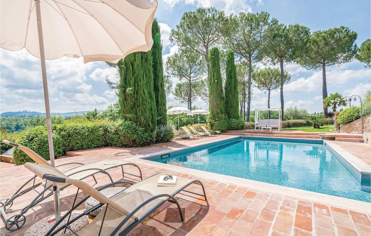 Holiday apartment with 1 bedroom on 45m² in San Gimignano -SI-