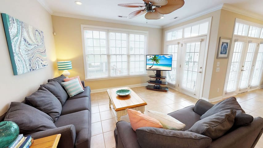 Beautiful 4 Bedroom Home Downtown Myrtle Beach
