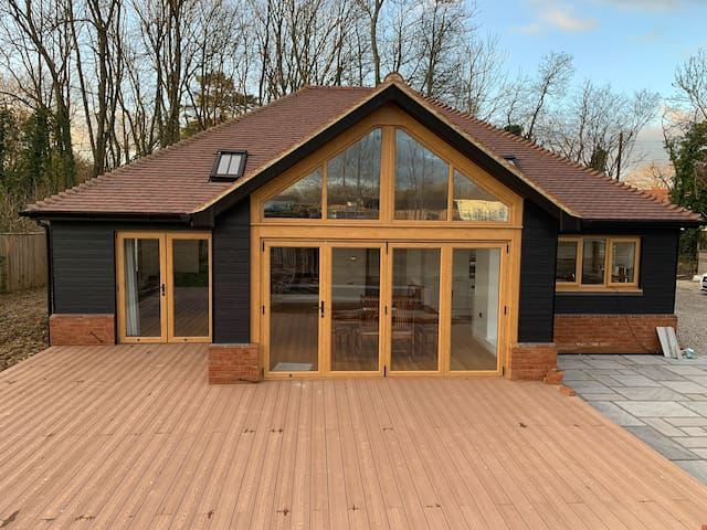 Chestnut Lodge - A brand new open plan bungalow.