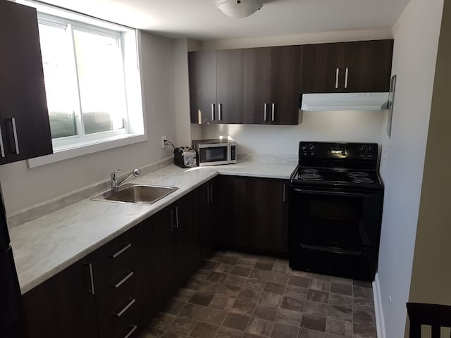 Next to the UQO, quick and easy access to downtown