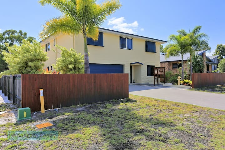 19 Ocean View Drive - your Holiday starts here