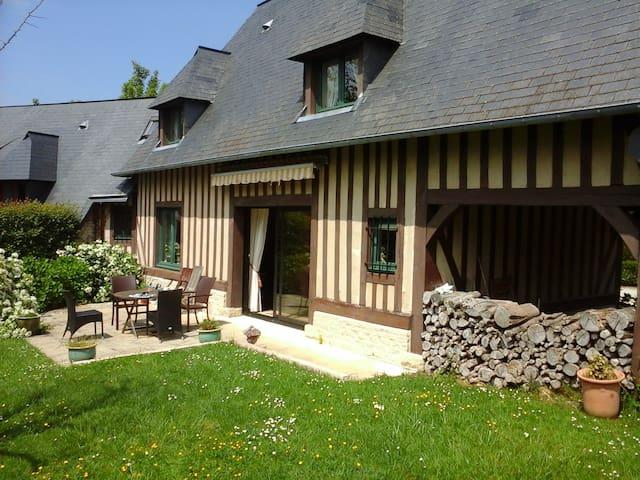 NEW : Maison Normande avec jardin 5mn de Deauville - Tourgéville - Huis
