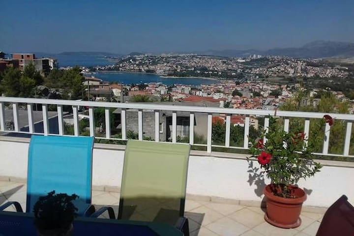 Vacation house with amazing view on Dalmatia