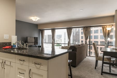 One Bedroom Condo Suite Honolulu