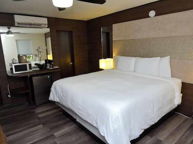 Deco Boutique Hotel, Standard, one King bed