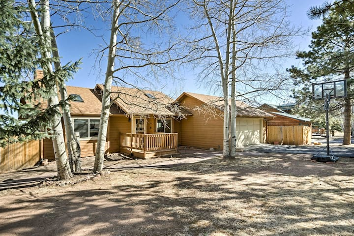 Woodland Park House w/Yard, Deck & Mountain Views!