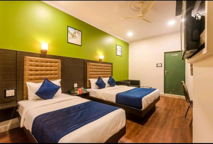 Premium triple bed rooms private rooms @ airport