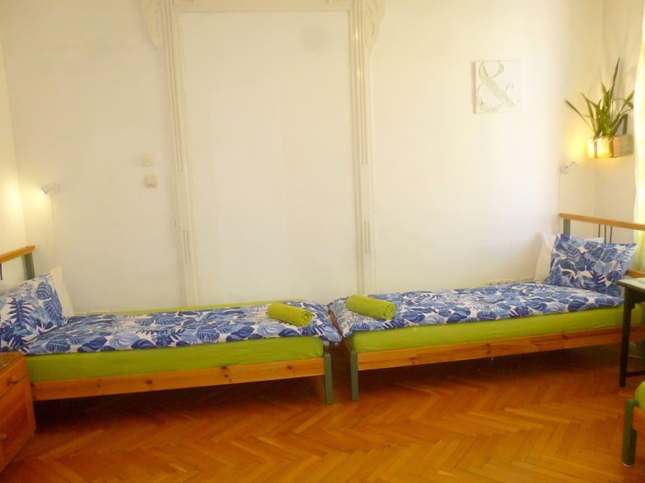 Chambre 4 pour un s jour en ville chambres d 39 h tes for Chambre hote 95