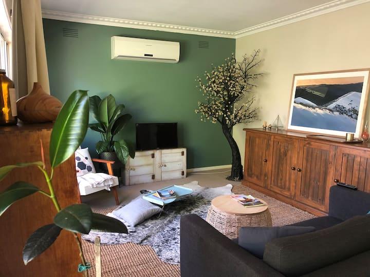 Whole house - Bright retreat wellness cottage