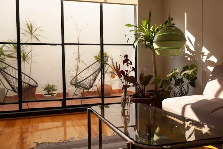 ♛ Mid Century Stylish Loft w/private terrace ♛