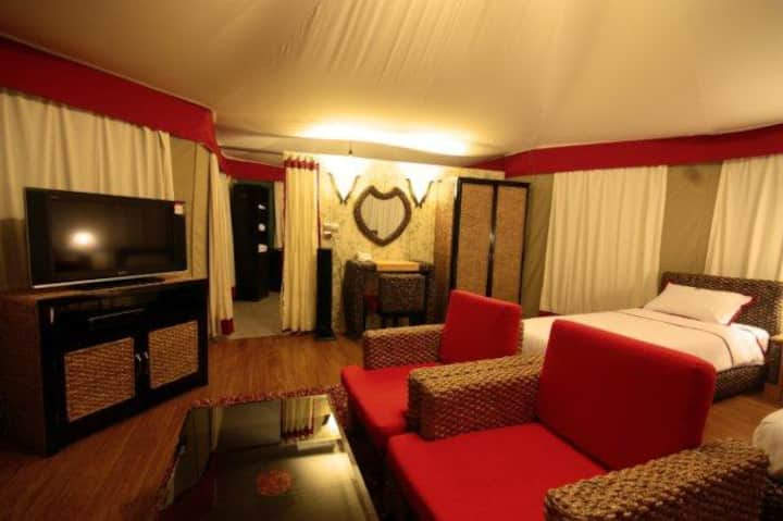 Gorgeous room with a view of Tatai River
