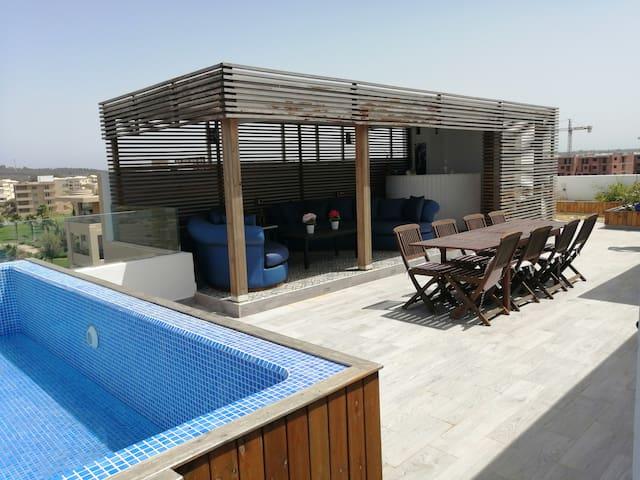 Duplex Beach house& roof top piscine privée