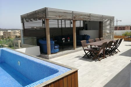 Duplex Beach house& roof top piscine privée
