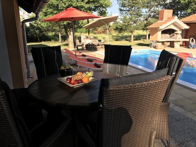 Countryside Villa with private pool - Suzana