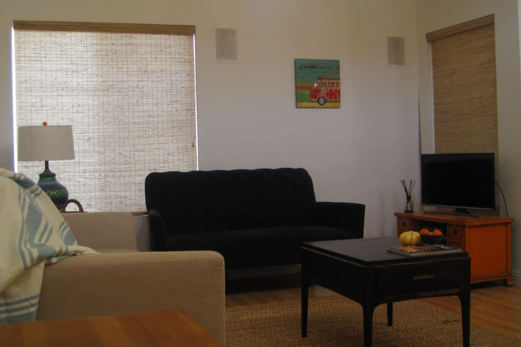 Living room with cable TV, Wireless internet