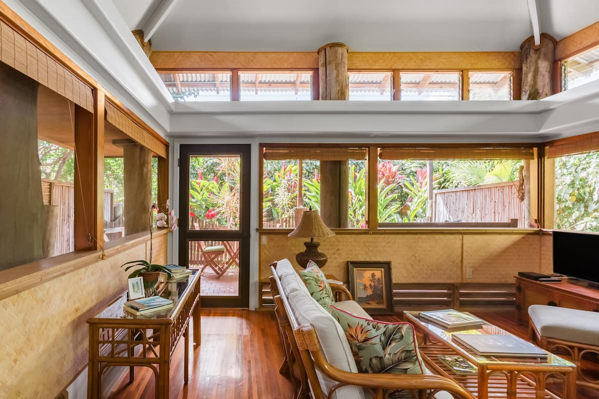 The Kulani Maui—Boutique Ginger Bungalow Near Ocean