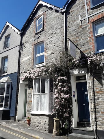 Family run Bed & Breakfast close to the harbour