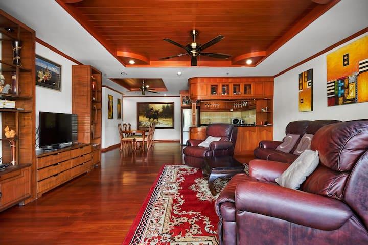 Living room 3 bedrooms condo