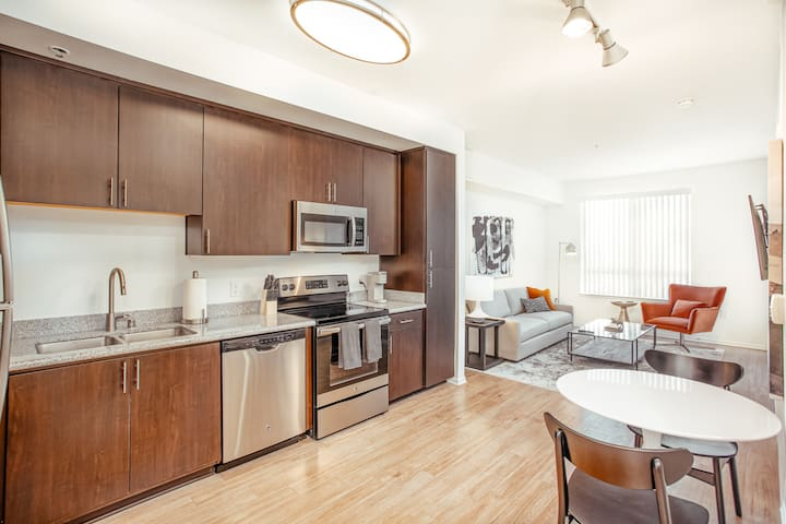 Landing | Modern 1BR in the Arts District!